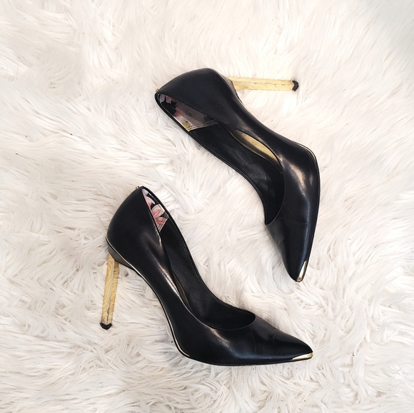 *TED BAKER* Black Heels